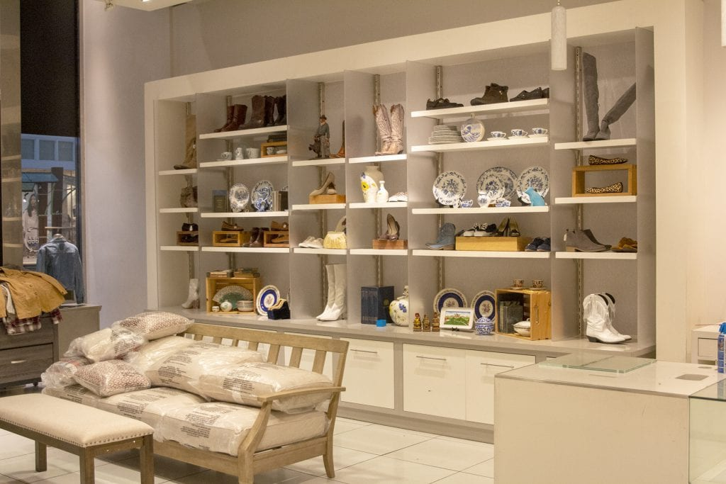 HSSA Thrift Store Pics 07 - Displays 2